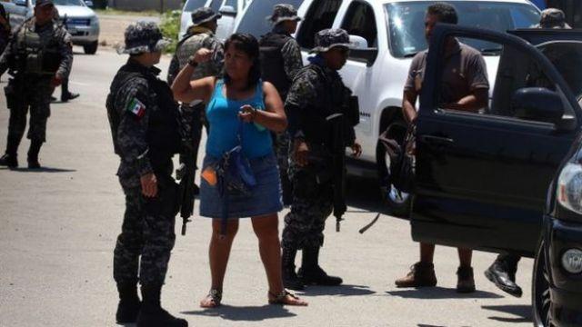 En la búsqueda de los secuestrados participan la Policía Federal, la Secretaría de Marina y el Ejército.