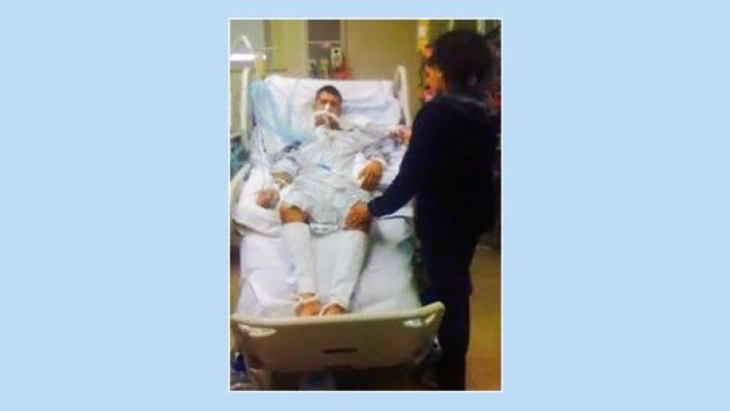 Adam no hospital em 2011