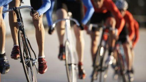 Ciclistas en una carrear
