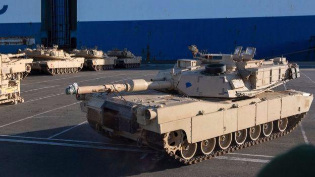 Quyết định điều xe tăng tới khu vực được đưa ra trong bối cảnh lo Nga xâm lấn Đông Âu