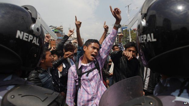 Protesters accuse the government of not doing enough for earthquake victims in Kathmandu, 29 April 2015