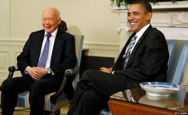 Lee Kuan Yew and US President Barack Obama in Washington DC (29 Oct 2009)