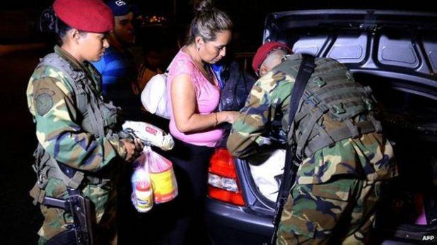 بدأت فنزويلا حملة لضبط الحدود مع كولومبيا