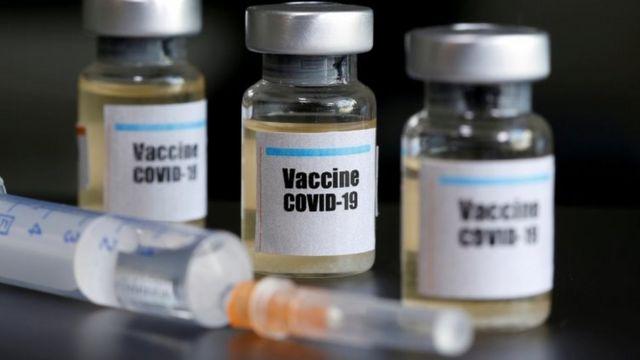 Frascos de vacunas contra el covid-19.