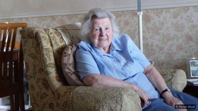 Mabel Bamford, de 92 anos, ainda se lembra de como era viver na vila Ashopton antes de ficar submersa
