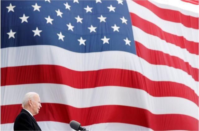 拜登将于12:00(格林尼治标准时间17:00)前往白宫,然后前往国会大厦参加就职典礼。