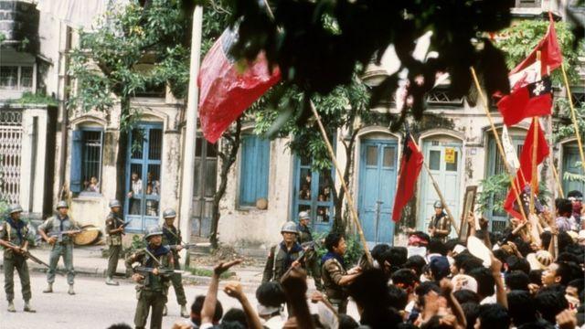 1988년 미얀마 양곤에서 벌어진 쿠데타 반대 시위