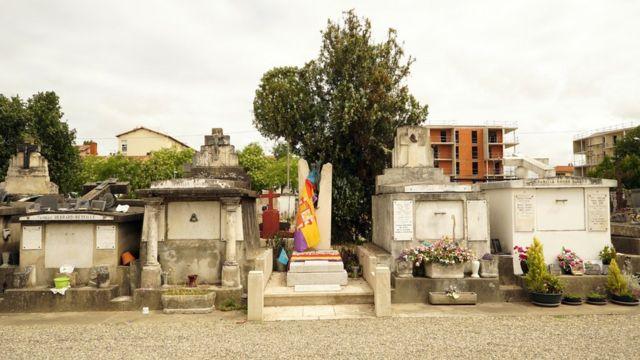 Tumba de Manuel Azaña en Montauban.