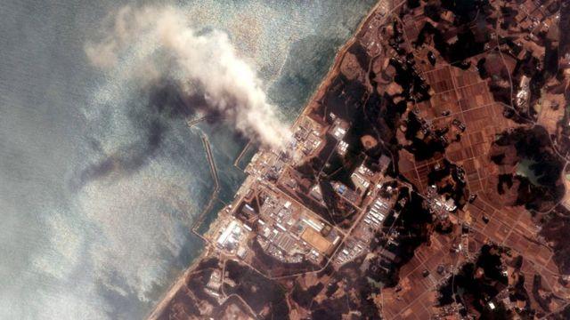 후쿠시마 발전소 화재를 보여주는 위성 사진