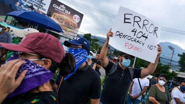 Protestas de este domingo en El Salvador.