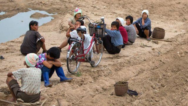 Trabajadores rurales en Corea del Norte en 2012.
