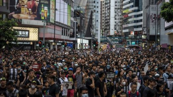 抗议者挤满了香港铜锣湾的街道(8/18/2019)