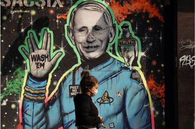 미국 최고의 감염병 전문가로 통하는 파우치 소장을 그린 벽화