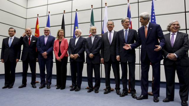 Russian Sergey Lavrov (fourth from right) participated in the negotiations of the 2015 nuclear deal with Zarif