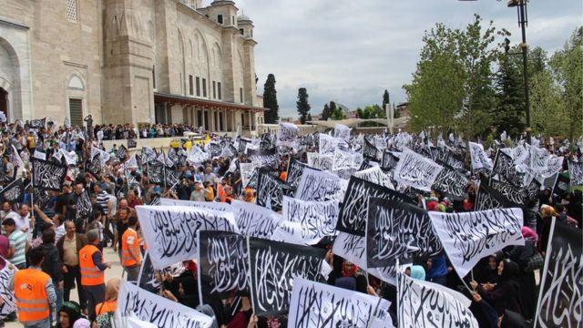 Hizbut Tahrir'in 2015'te İstanbul Fatih'te düzenlediği Büyük Ümmet Yüyüşü.