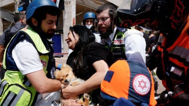 Israelis were injured by the missile strikes