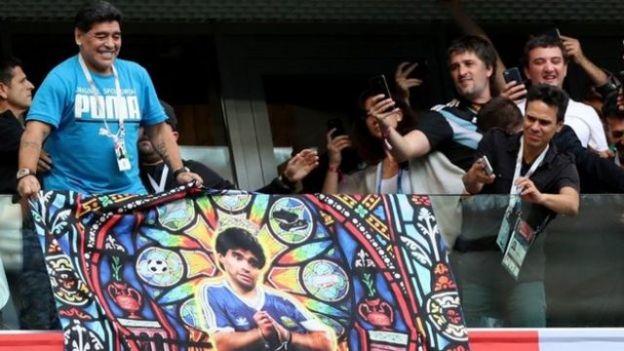Diego Maradona oo Ruushka ku sugan