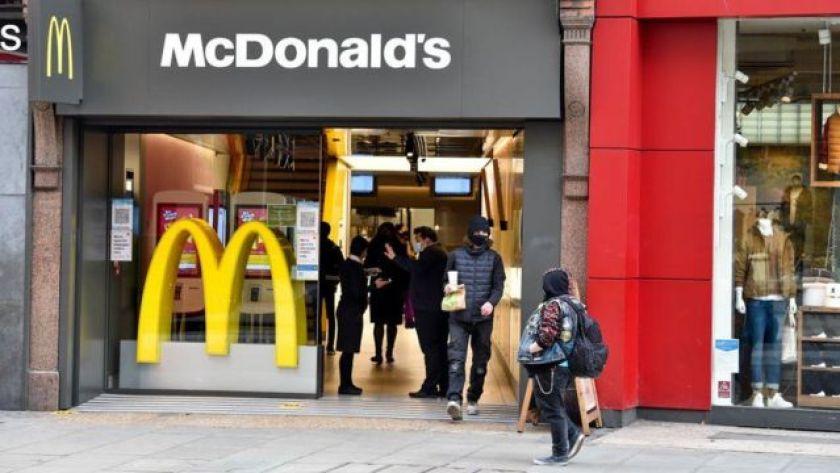 McDonald's store customers