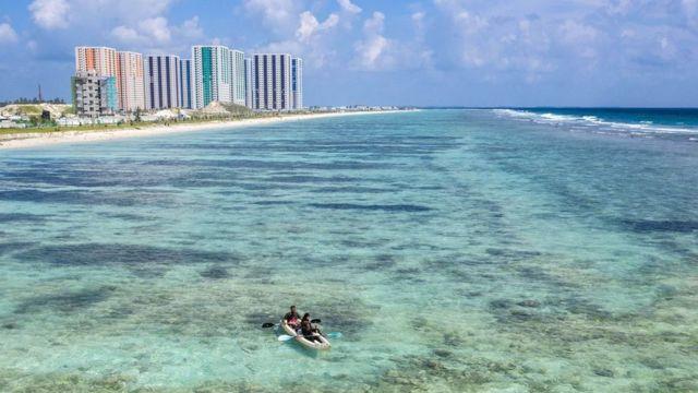 Мальдіви штучний острів Хулхумале