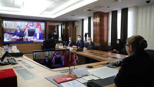 29 Aralık'taki imza törenine Ruhsar Pekcan ve Liz Truss video konferansla katıldı.