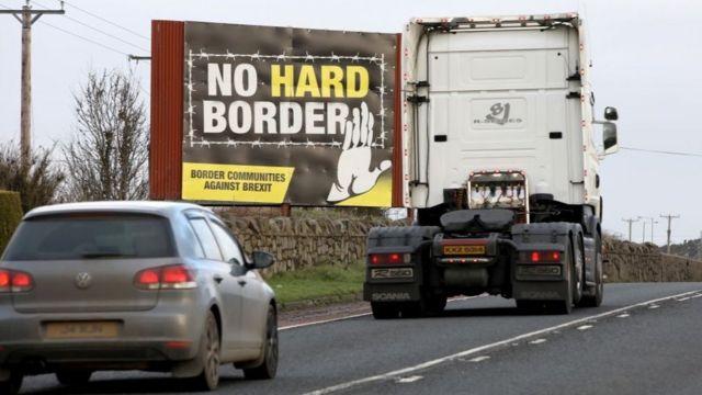 Mensaje en contra de una frontera dura entre Irlanda del Norte y la República de Irlanda.