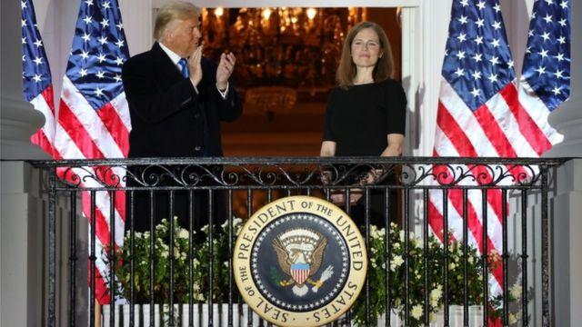 Donald Trump y Amy Coney Barrett
