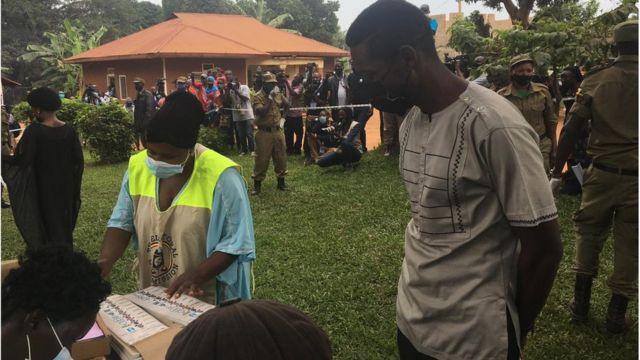 Uganda Election Day 2021: Bobi Wine don vote for Ugandan presidential election day inside total internet shutdown