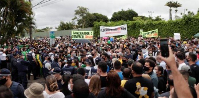 protesto contra Lockdown