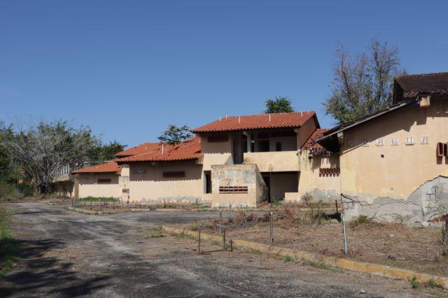 Villa vacacional abandonada en Río Chico.