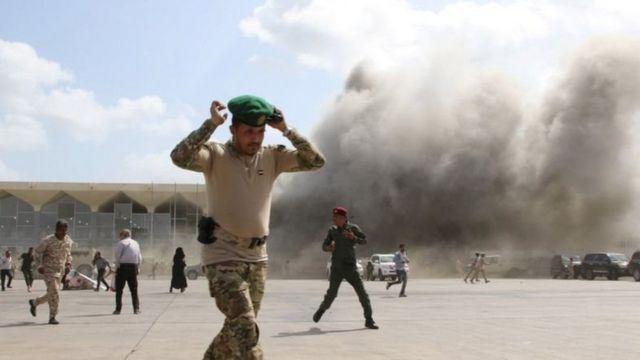 انفجارات في مطار عدن