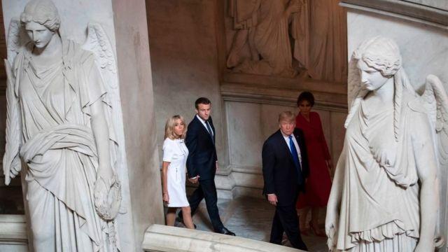Еммануель Макрон і Дональд Трамп з подружжям в крипті, де похований Наполеон
