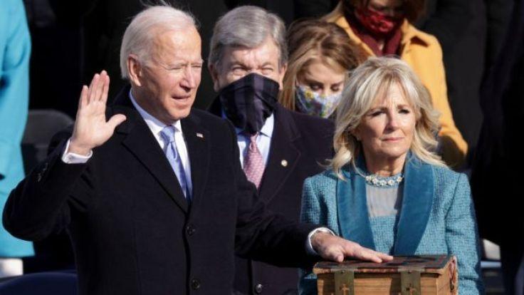 "Joe Biden toma posesión como 46º presidente de Estados Unidos: ""La  democracia ha prevalecido"" - BBC News Mundo"