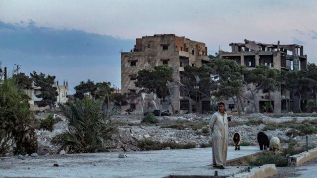 IS는 2007년 이라크에 미군 병력이 증가한 이후 몇 년간 자취를 감췄다가 2011년 다시 등장했다