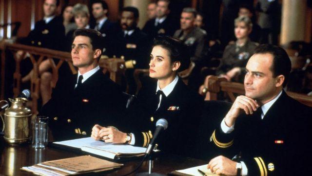 """كان فيلم """"بضعة رجال أخيار""""، الذي عُرِضَ في التسعينيات، عبارة عن دراما تجري وقائعها في قاعات المحاكم"""