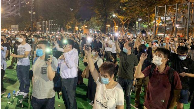 """国安法下的首场""""六四"""":香港仍能有大型悼念活动吗? 国安法下的首场""""六四"""":香港仍能有大型悼念活动吗?"""