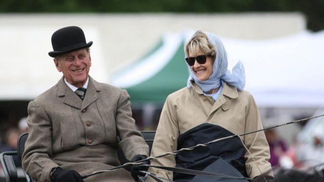 爱丁堡公爵于2009年5月与现任缅甸伯爵夫人蒙巴顿(Countess Mountbatten)成为30位客人之一