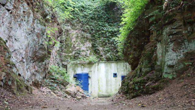 """Як у Вінниці церква опікується колишнім надсекретним підземеллям """"Скеля"""""""