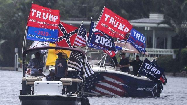 Una flotilla de embarcaciones un Florida a favor de Trump