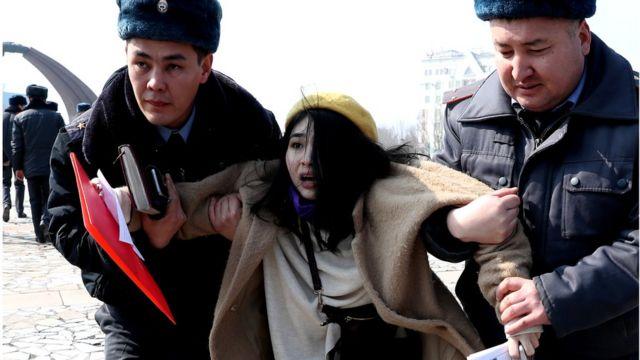 Затримання активісток руху за права жінок у Киргизстані під час маршу 2020 року
