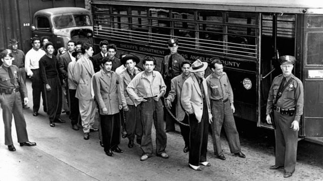 Zoot suit, the extravagant outfit that caused the persecution of Mexicans during World War II - BBC News Mundo