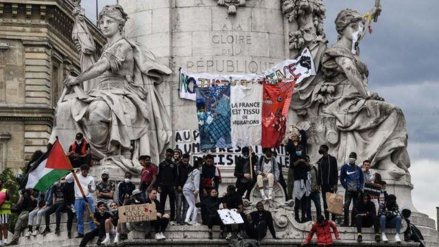 Протестувальники на площі Республіки