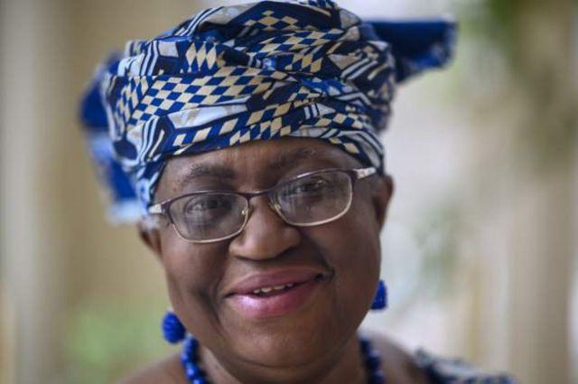 """Ngozi Okonjo-Iweala annonce sur Twitter qu'elle est """" honorée et privilégiée """" de figurer sur la couverture du magazine Time"""