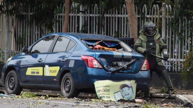 Bom di Gereja Katedral, Makassar.