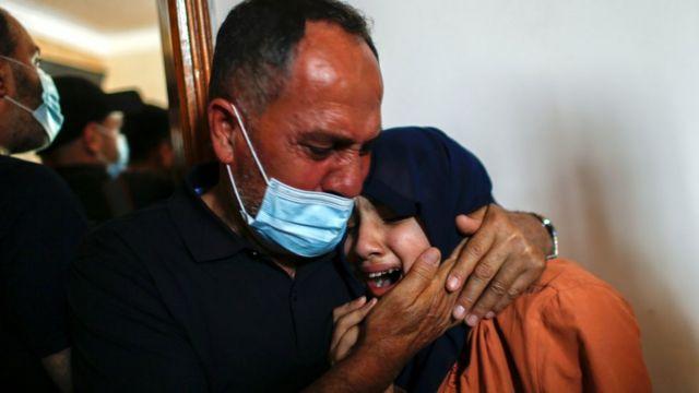 팔레스타인 보건당국은 이스라엘의 공격으로 어린 아이들이 사망했다고 밝혔다