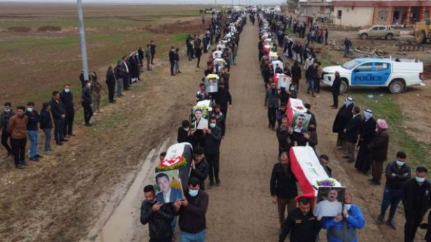 مراسم دفن رفات الضحايا