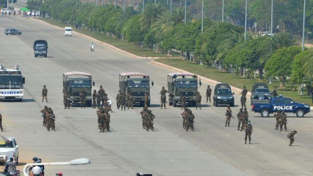 Military in the center of Naypyidaw