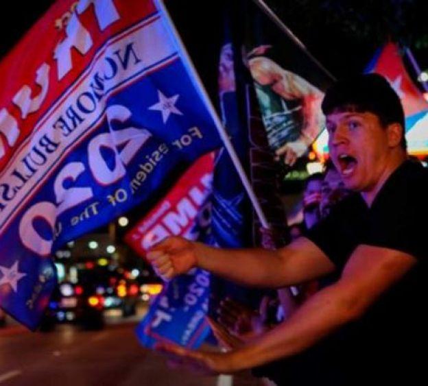 Eleitor comemora na Flórida