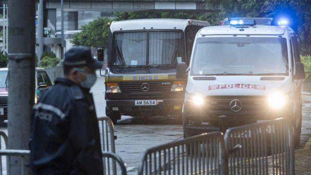 载着唐英杰的监狱囚车抵达香港最高法院大楼(30/7/2021)