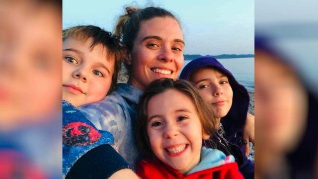 앨러나는 가족이 호수에서 5분 거리인 집에 살게 됐다고 말했다
