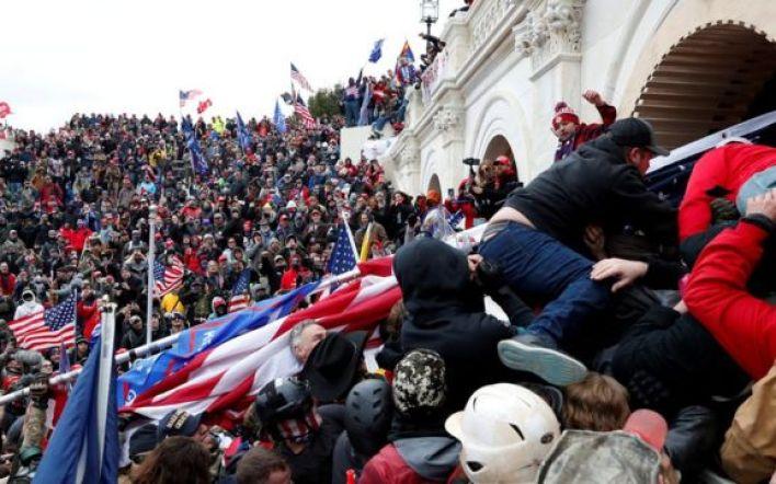 متظاهرون مناصرون لترامب يقتحمون مبنى الكونغرس